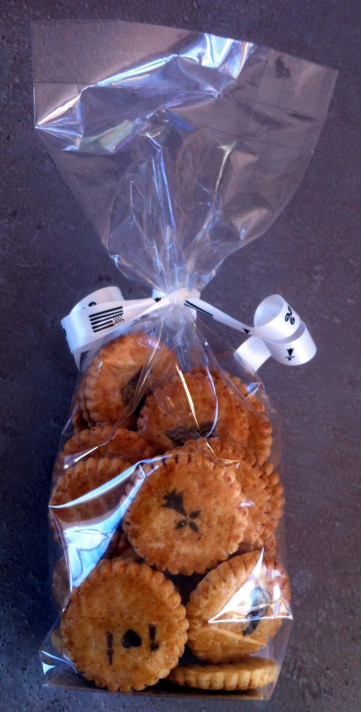 sachet le petit galet breton presquile bonbons personnalis s biscuits. Black Bedroom Furniture Sets. Home Design Ideas